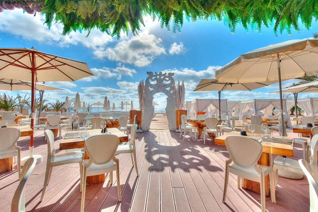 Ushuaïa Beach Club es un ejemplo claro de reconversión en club de playa. AISHA BONET