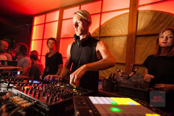 enter.sake Richie Hawtin, aún como dj, aporta un gran componente de creación en directo. Foto: Igor Ribnik