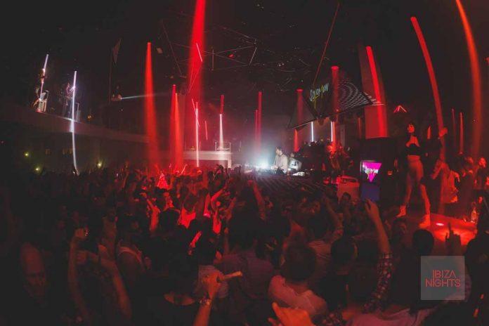 Neones rojos y manos arriba, ha llegado Solomun +1. Foto: Pacha