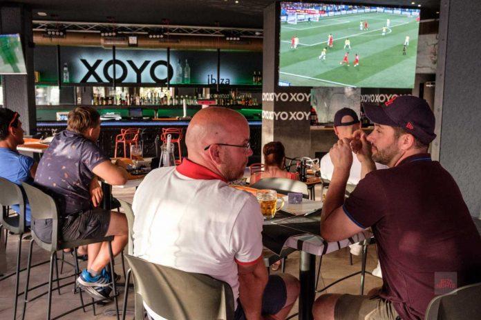 Un ambiente único para ver el fútbol en la mejor de las compañías.