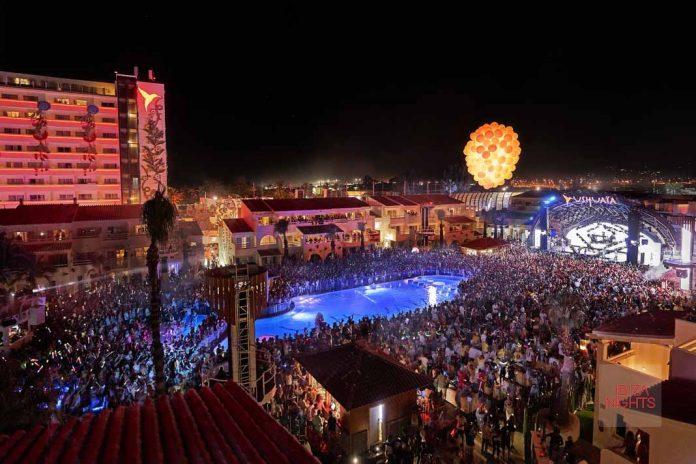 Un club al aire libre que estremece a los invitados gracias a su potente sonido. Foto: Ushuaïa Ibiza