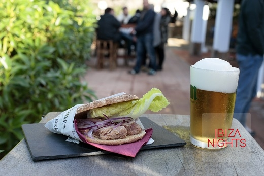 Los viernes de diciembre son de cañas, música, cine y tapas en Sant Josep.